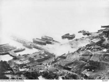 Gallipoli Pier - A02007.JPG