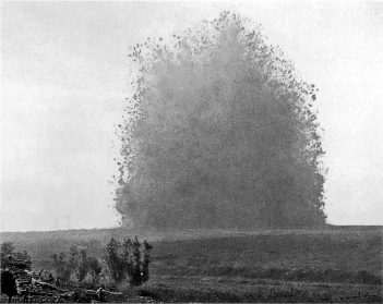 Hawthorn_Ridge_mine_1_July_1916 (1).jpg
